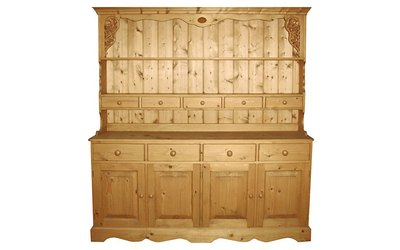 Carved and spice drawers dresser